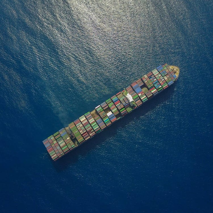 container-ship-4